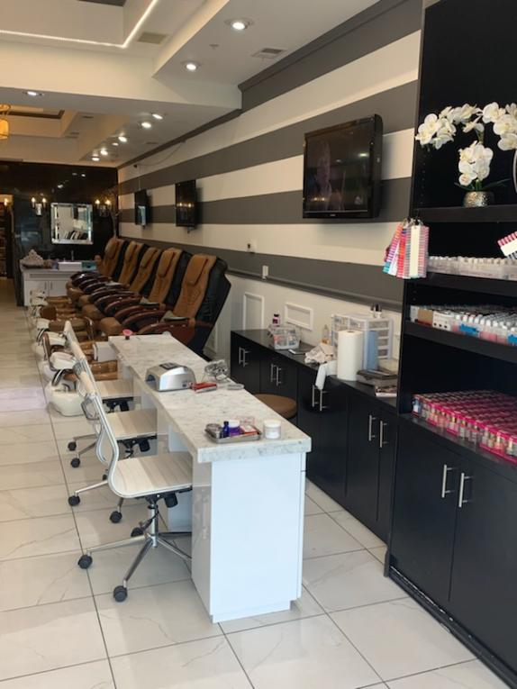 Nails Salon 75039